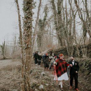 Émilie et Marc : Une cérémonie itinérante dans la montagne en hiver